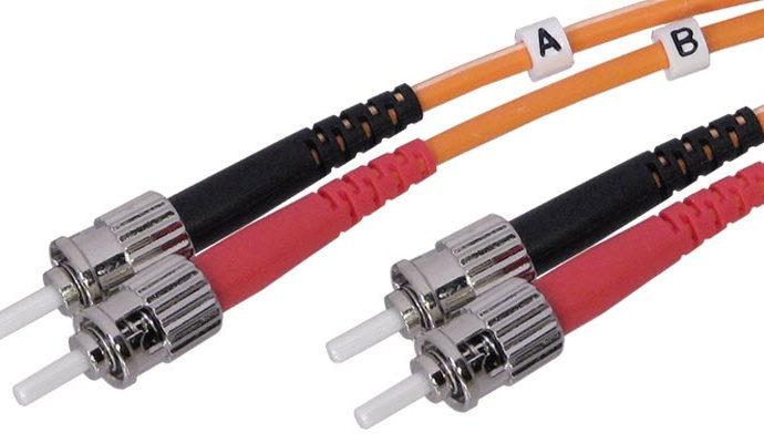 La fibra òptica arribarà als polígons de Badalona el 2015