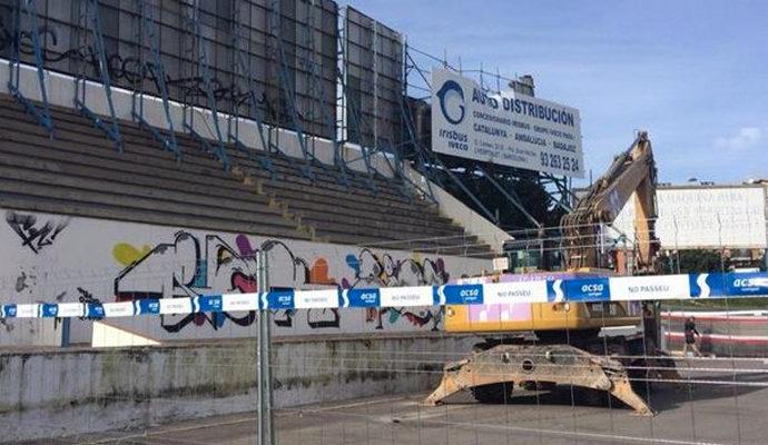 L'enderrocament de l'antic camp del CF Badalona ha iniciat aquest diumenge