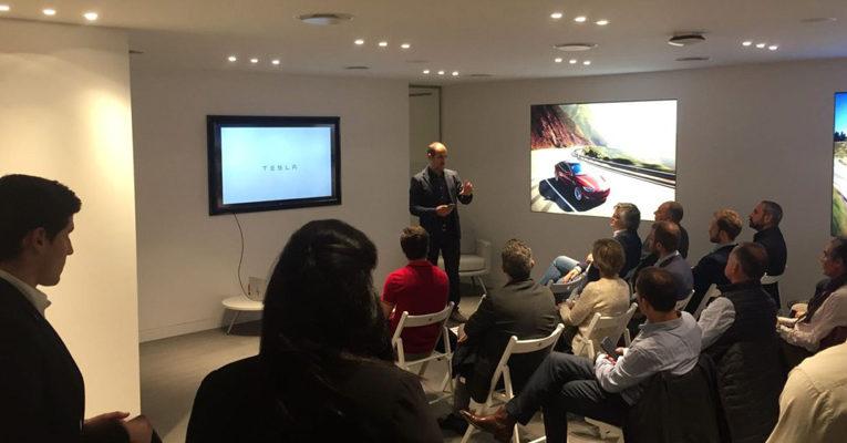 Empresaris de FEB-PIMEC assisteixen a l'acte de presentació dels nous models Tesla