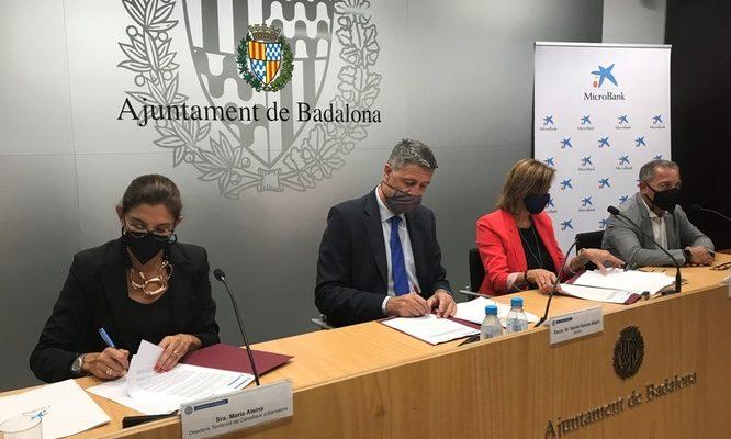 L'Ajuntament de Badalona signa un conveni de col·laboració amb MicroBank per reactivar l'autoocupació i l'emprenedoria